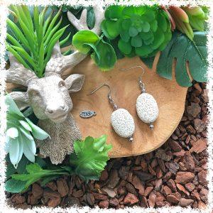 Shop natural lava stone earrings @ Fensi jewelry boutique. Handmade by fenneke Smouter fancy sieraden oorbellen fashionista lava stone