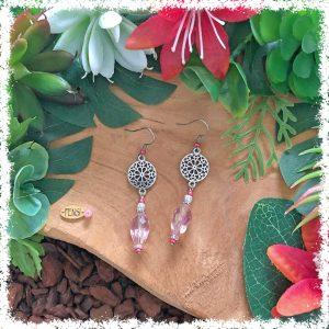 Shop vintage style earrings @ Fensi jewelry boutique. Handmade by fenneke Smouter fancy sieraden oorbellen fashionista vintage charms