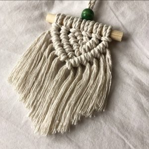 "Mini macrame wandhanger ""Jessey"" in naturel."