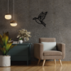 Houten vogel aan de muur
